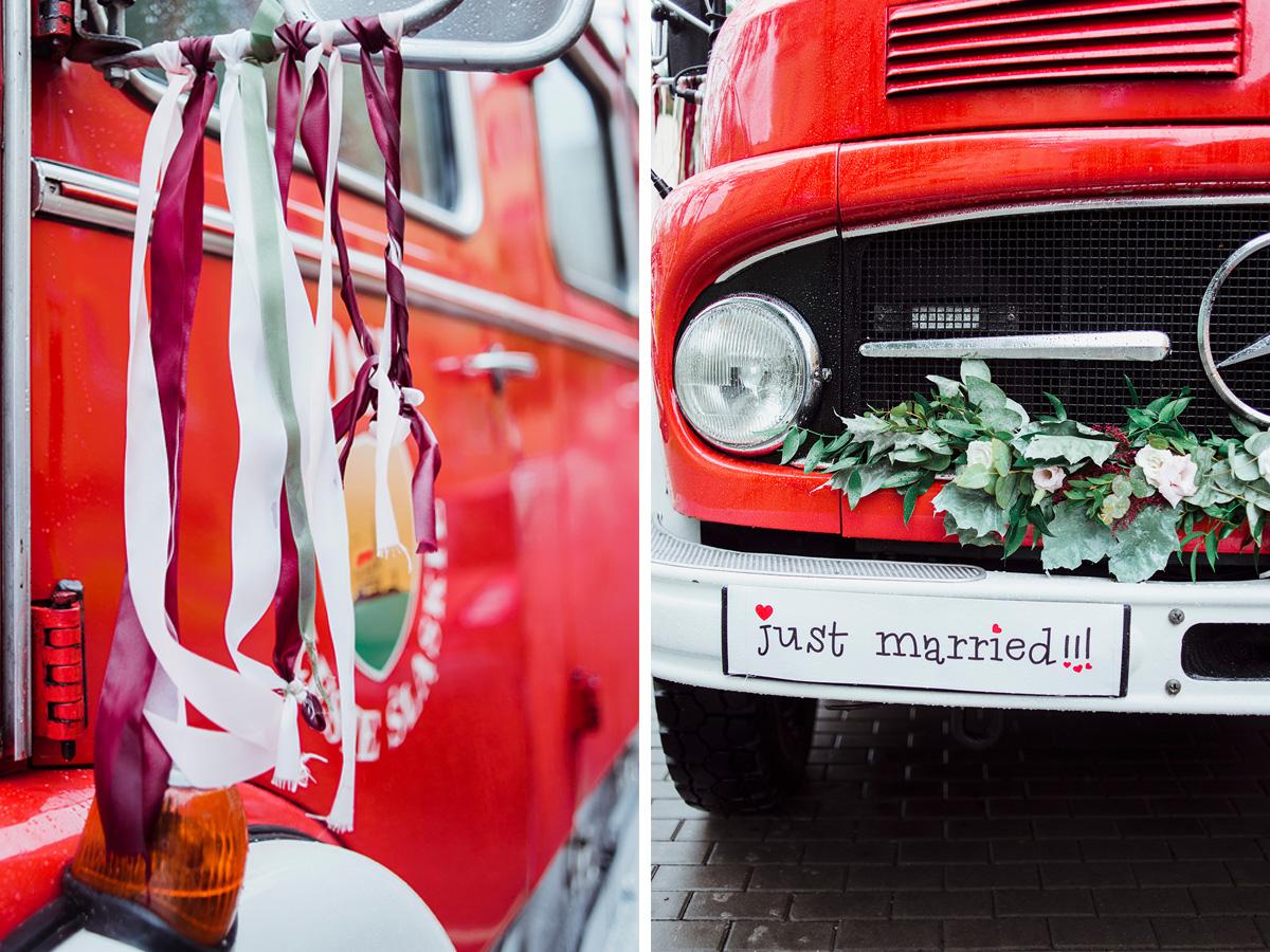 przygotowania do slubu - wesele z dodatkami w kolorze bordowym - woz strazacki na slub