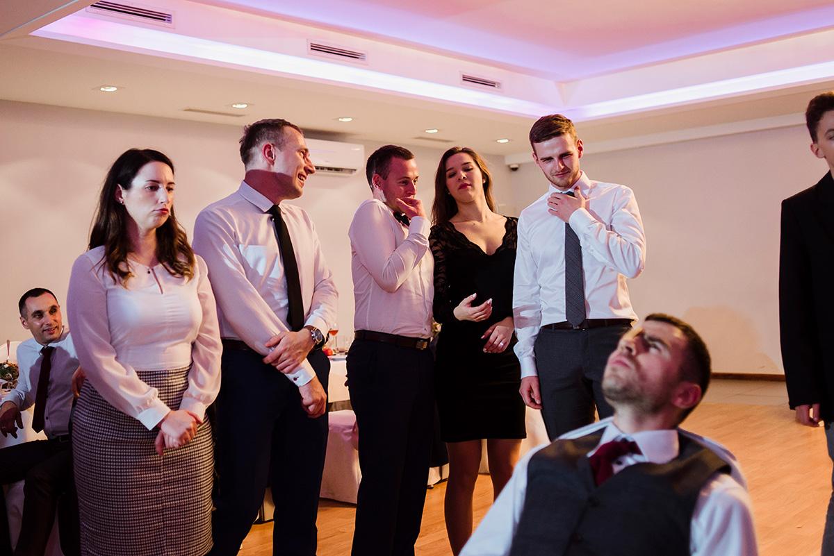 wesele na luzie - fotoreportaz slubny - zabawy weselne