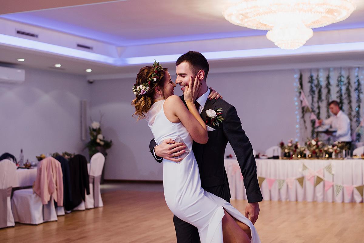 wesele na luzie - fotoreportaz slubny - pierwszy taniec