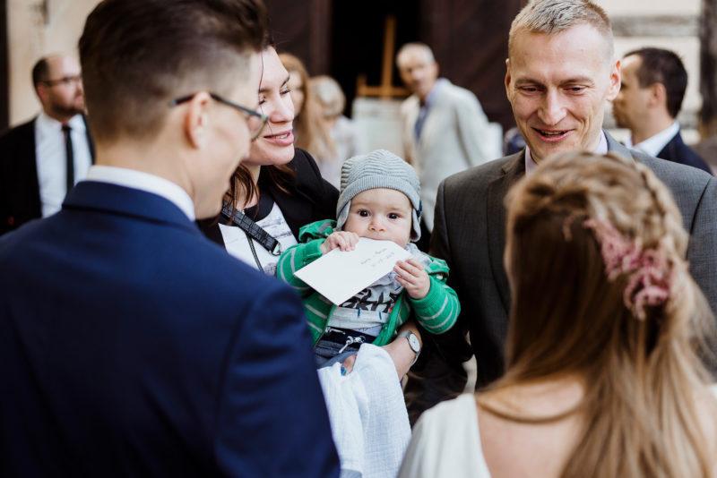 naturalna fotografia slubna - wesele w spichlerzu galowice - zyczenia gosci