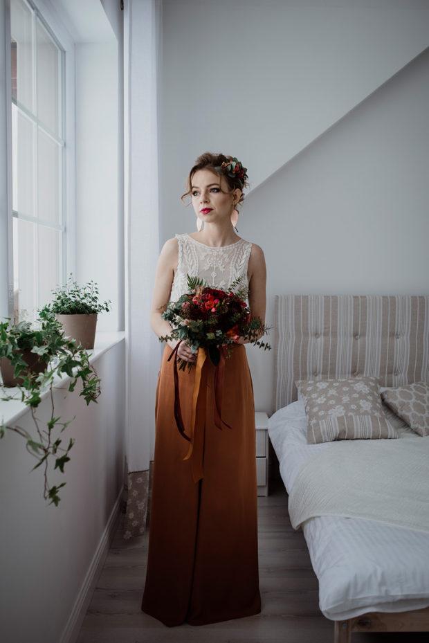 miedziana suknia slubna-bukiet slubny w kolorze bordowym-naturalna fotografia _DSC7474