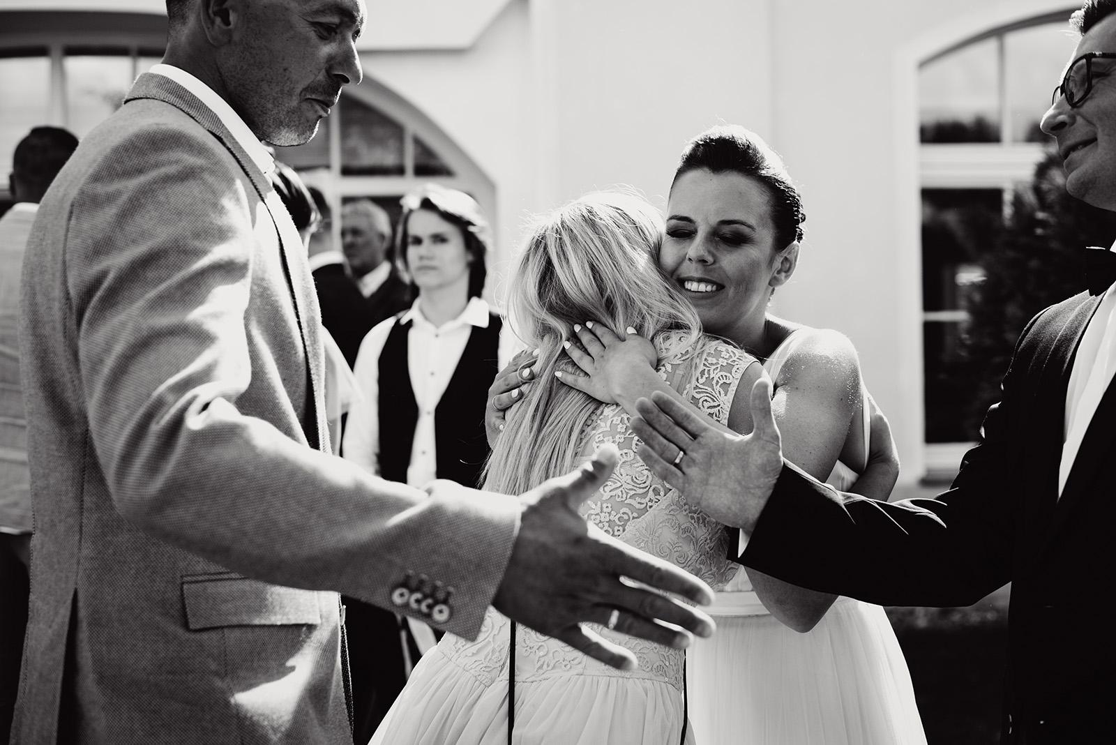 naturalna fotografia slubna - zyczenia gosci - wesele w krzyzowej