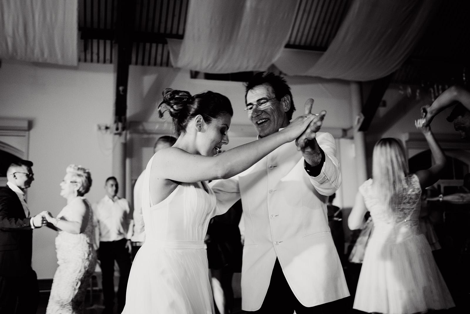 wesele w krzyzowej