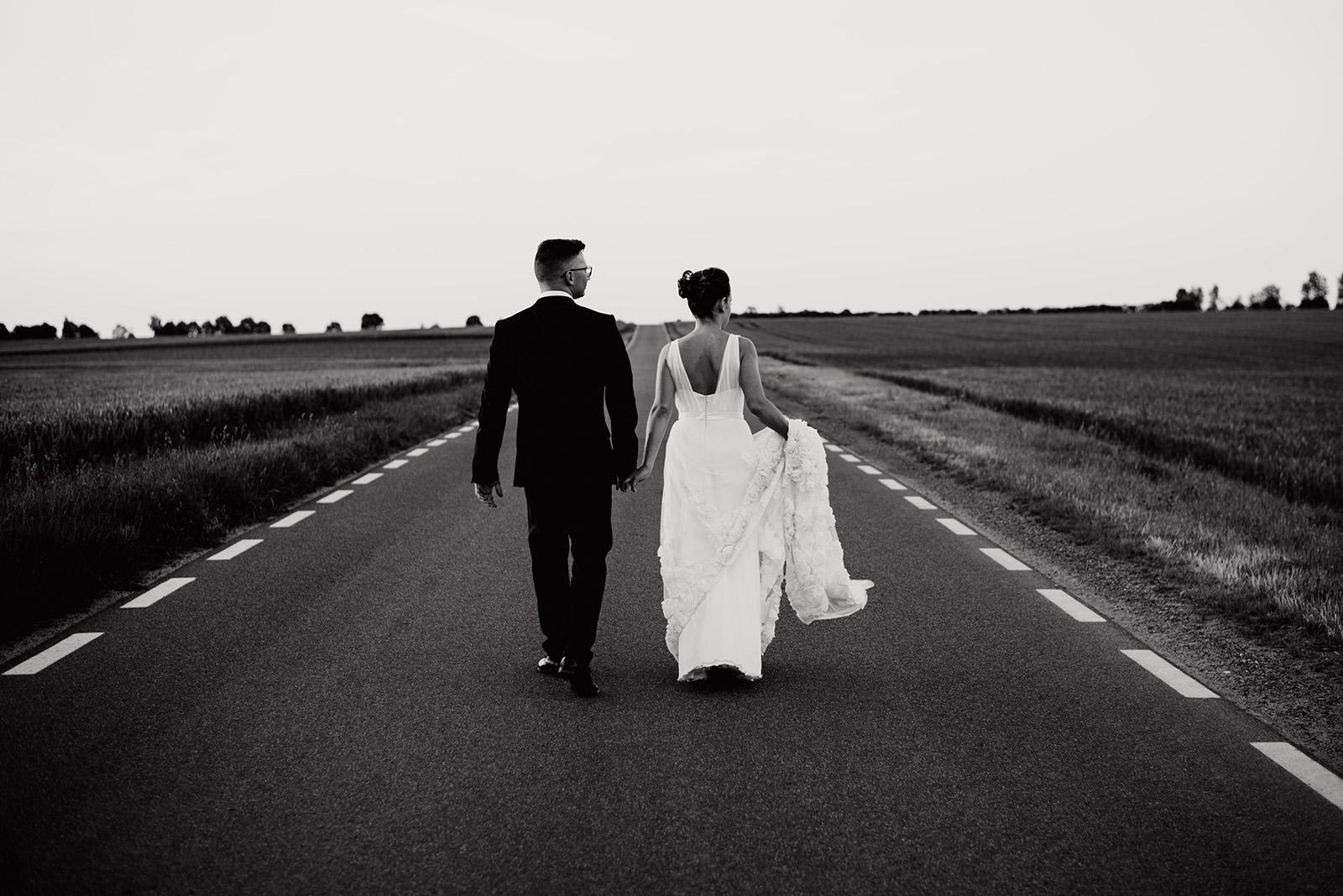 sesja na slubie - naturalna fotografia - wesele w krzyzowej
