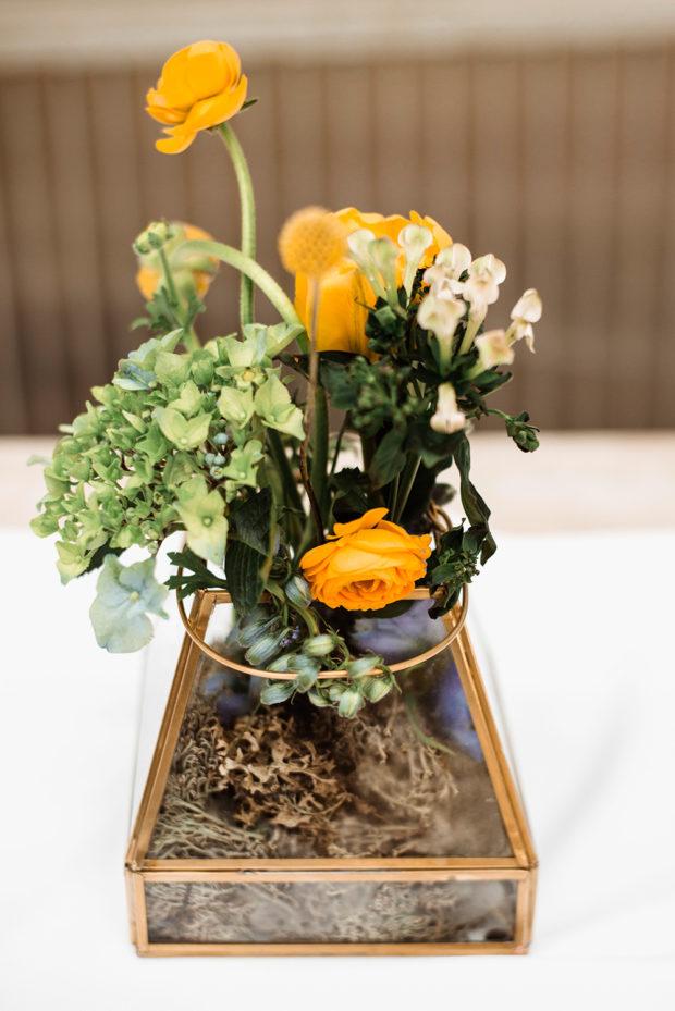 kwiaty na stol kwiatownia-naturalna fotografia slubna