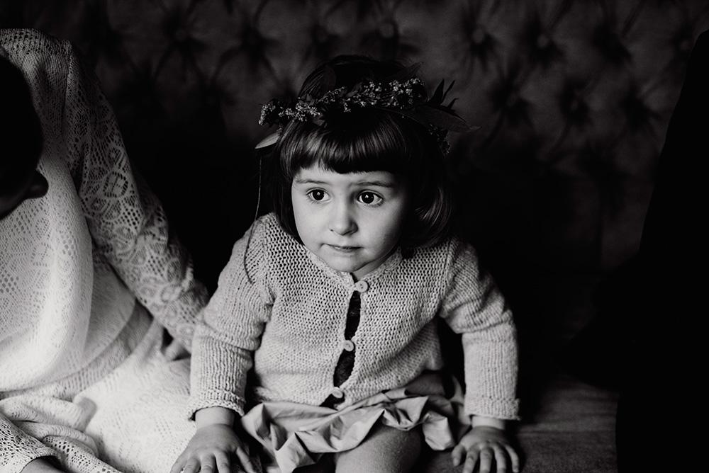 sesja slubna z dziecmi-naturalna fotografia w mieszku i jagience