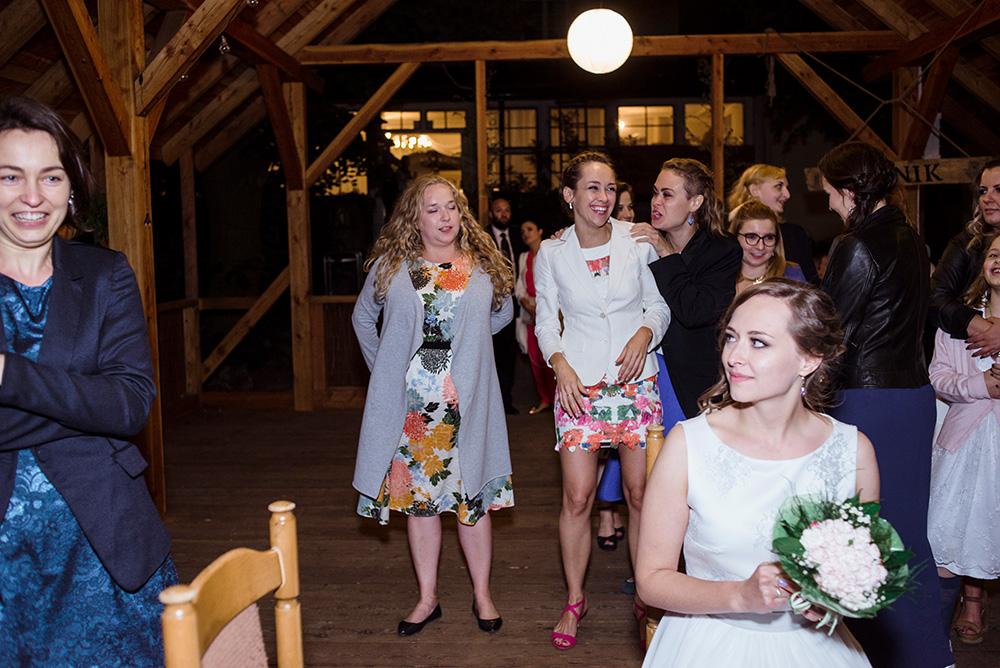 wesele w mieszku i jagience - fotoreportaz slubny - oczepiny