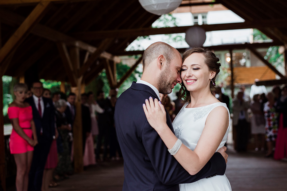 pierwszy taniec weselny - plenerowy slub w mieszku i jagience