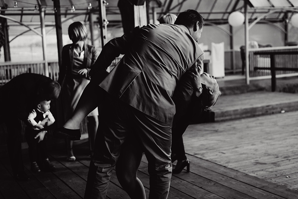emocjonalny fotoreportaz slubny - wesele w mieszku i jagience