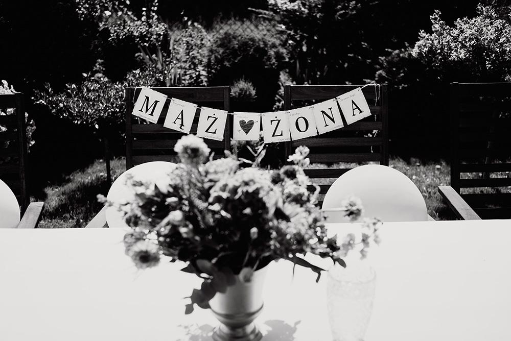 naturalna fotografia slubna we wroclawiu - wesele w ogrodzie
