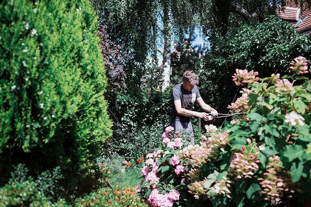 wesele w ogrodzie w stylu slow - fotografia slubna we wroclawiu