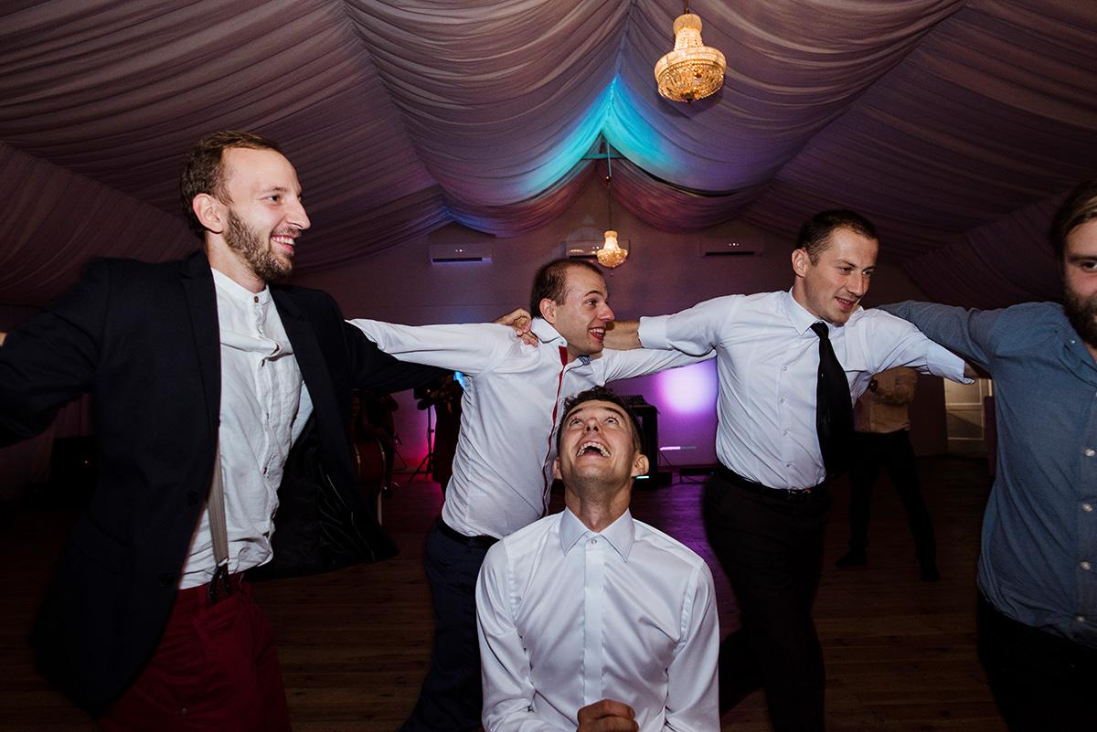wesele w hotelu wodnik we wroclawiu - tradycyjne ludowe oczepiny