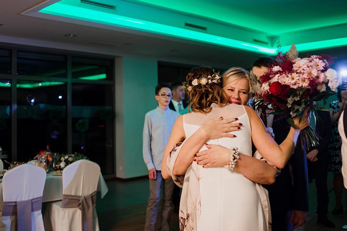 wesele na luzie - fotoreportaz slubny - podziekowania dla rodzicow