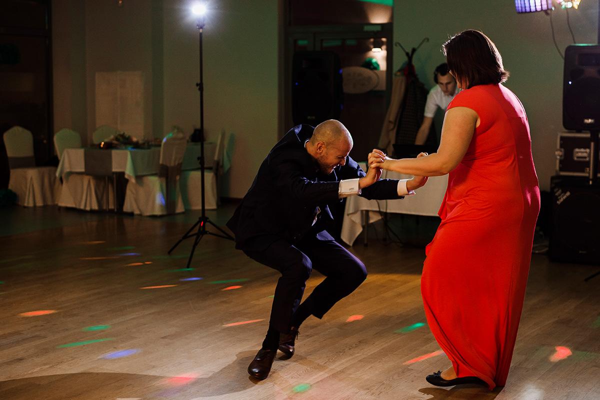 wesele na luzie - fotoreportaz slubny - zabawa gosci