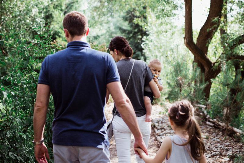sesja rodzinna we wroclawiu - sesja przy karczmie rzym