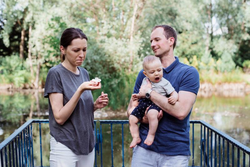 sesja rodzinna we wroclawiu - sesja przy karczmie rzym - nad jeziorkiem
